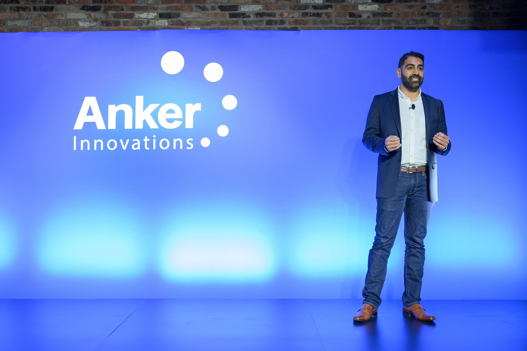 Anker_Stage